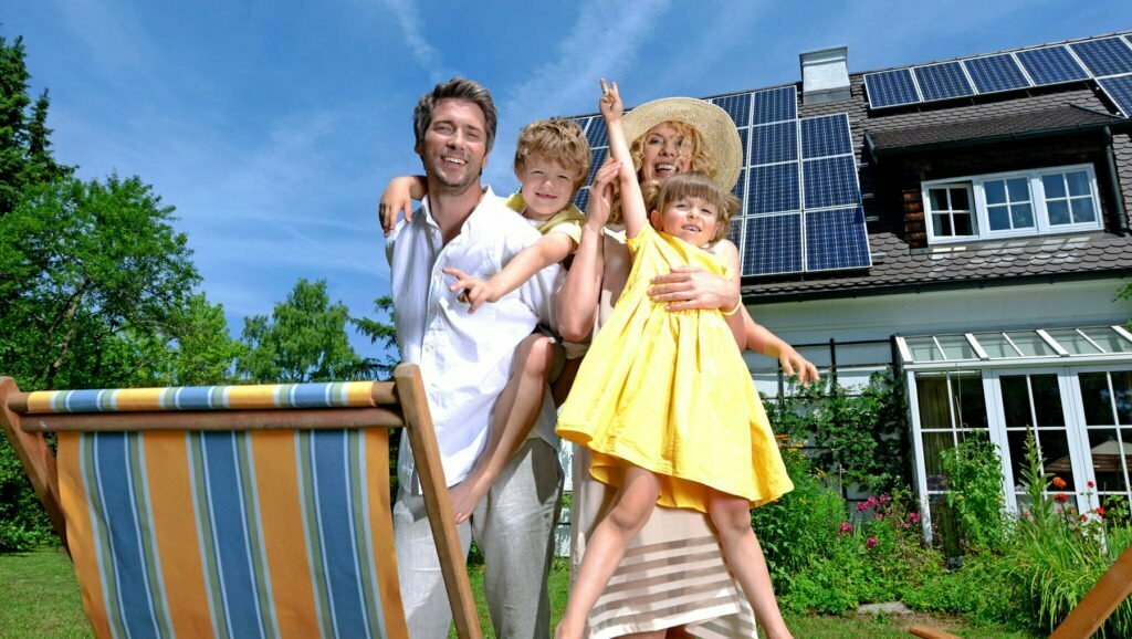 Solar-Panel-On-The-House-Roof
